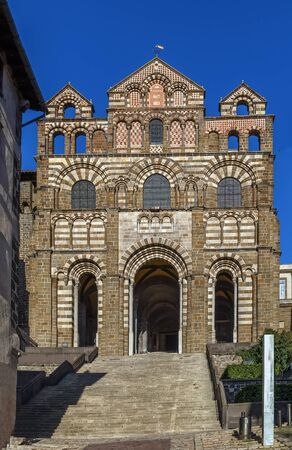 Le Puy Cathedral (Cathedral of Our Lady of the Annunciation) is a Roman Catholic church located in Le Puy-en-Velay, Auvergne, France. Stock fotó