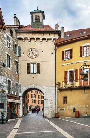 Sainte-Claire gate in Old Town of Annecy, France Banque d'images