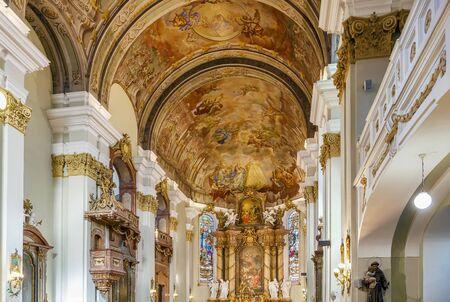 Church of Assumption of Virgin Mary in Banska Bystrica, Slovakia. Interior 新聞圖片