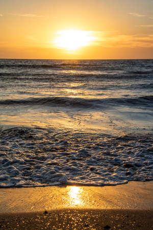 Sehenswerte Sonneuntergänge hat die Insel Malta zu bieten.