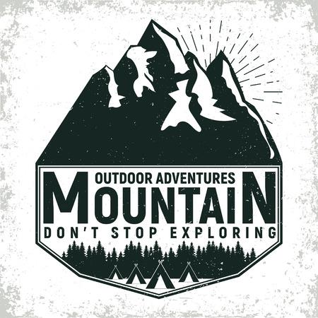 ビンテージのキャンプや観光ロゴ デザイン グランジ印刷スタンプ、クリエイティブなタイポグラフィの紋章は、ベクトル