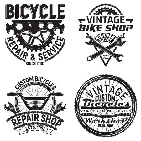ヴィンテージ自転車クラブロゴデザインのセット、ダウンヒルバイカーグランジプリントスタンプ、自転車修理店クリエイティブタイポグラフィエ  イラスト・ベクター素材