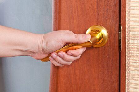 ручка: Руки и дверные ручки
