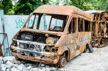 junked: rusty bus
