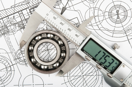 Industrial measurement of diameter of the bearing with calliper Standard-Bild