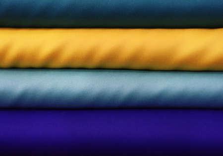 tonalit�: Tissus bleus et jaunes color�es dans un magasin de textile