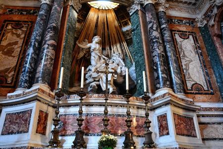�xtasis: La iglesia de Santa Maria della Vittoria y una obra maestra de Bernini, Roma Italia