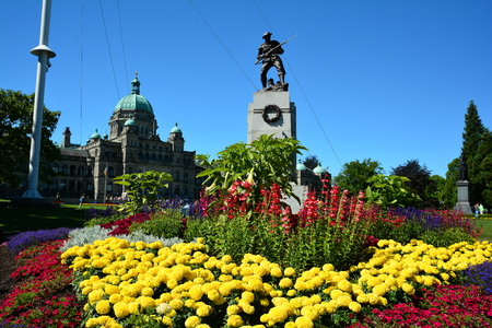 victoria bc: War memorial monument,Victoria BC,Canada.Remembering ones who gave so much for so many.