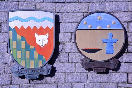 カナダのノースウェスト準州、ヌナブト準州の紋章 写真素材