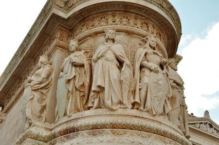 vittorio: Carved figures in the Vittorio Emanuele monument, Rome Italy.
