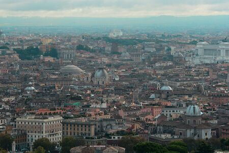 cielo romano come visto dalla cima di San Pietro basilica.