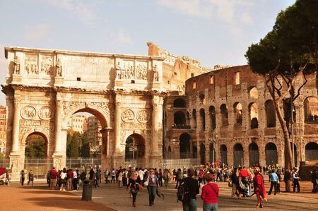 sight seeing: Roman Colosseum and the Arch of Constantine. Editorial