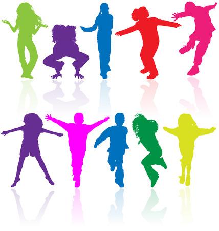 Set van gekleurde actieve kinderen vector silhouetten met reflectie.