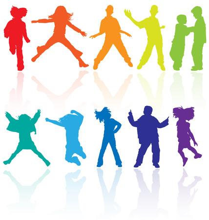 silueta ni�o: Conjunto de colores bailando, saltando y adolescentes que presentan los vectores siluetas con reflexi�n. Vectores