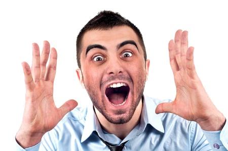 gente loca: Hombre de negocios enojado gritando en voz alta a alguien, retrato de joven empresario guapo aislado en blanco, el concepto de ejecutivo de gritar, el problema de la conversaci�n de comunicaci�n de crisis, la ira, la frustraci�n Foto de archivo