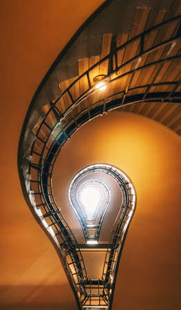 Spiral Staircase in Prague. Stairs which in its perspective is like to light bulb. Czech Republic 版權商用圖片 - 92941208