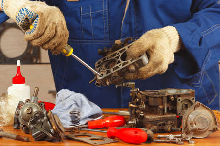 Repair of details of the engine in the workshop
