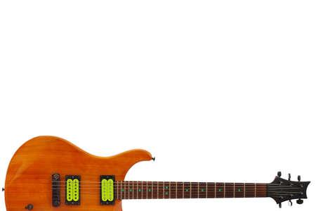 caoba: De caoba de la guitarra eléctrica en la parte inferior del fondo blanco, con un montón de espacio de la copia. Foto de archivo