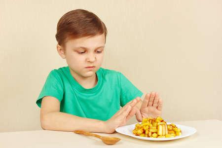 꼬마는 튀김을 먹고 싶지 않아.