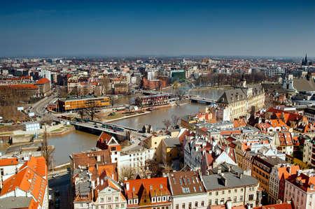 Vista do rio Odra e pontes em Wroclaw