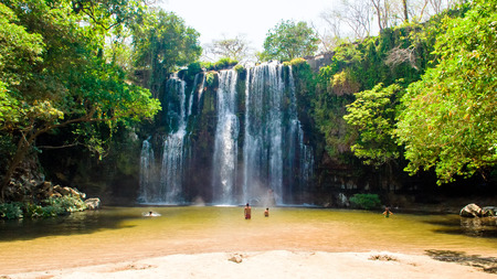 Llanos de Cortez waterval geschoten in Costa Rica (provincie Guanacaste). Stockfoto