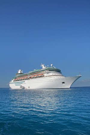 carribean: Huge cruise ship