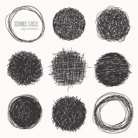 marcos redondos: estilo bosquejado. un conjunto de círculos garabato. marcos redondos decorativos para su diseño. Vectores