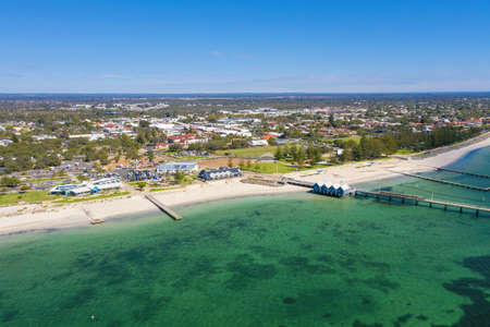 Busselton Jetty, Western Australia is the second longest wooden jetty in the world at 1841 meters long. Imagens