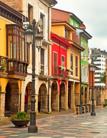 spanish homes: Nice houses in the old town