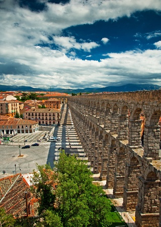 acueducto: The famous ancient aqueduct in Segovia, Castilla y Leon, Spain Editorial