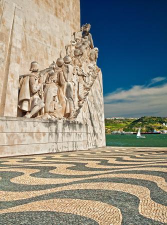 Le monument aux conquerers est un célèbre spectacle à Lisbonne, au Portugal Banque d'images