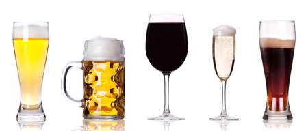 alcool: Collection d'images diff�rentes de l'alcool isol� sur un fond blanc