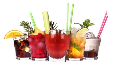 coctel de frutas: c�ctel alcoh�lico conjunto aislado sobre fondo blanco Foto de archivo