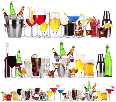 맥주, 마티니, 소다, 샴페인, 위스키, 와인, 콜라, 칵테일 - 다른 알코올 음료와 칵테일의 집합 스톡 사진