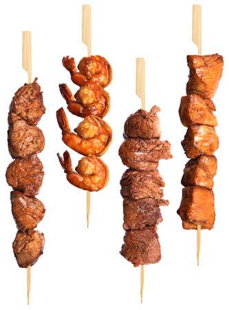 carne de pollo: platos de carne a la brasa frescas conjunto aislado sobre un fondo blanco Foto de archivo