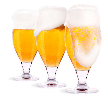 un bottled: Frosty glass of light beer set isolated on a white background