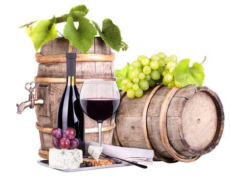 druiven op een vat wijn en kaas
