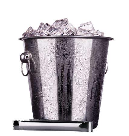 metal champán cubo de hielo aislado en un baclground blanco