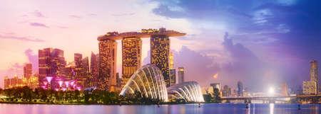 シンガポールのスカイラインの背景
