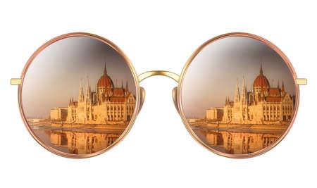 헝가리 의회의 반영과 선글라스