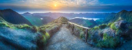 L'île de Sao Miguel et le lac Ponta Delgada, Açores