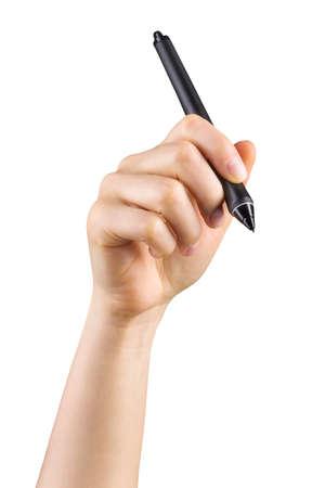 Hand, die einen digitalen Grafikstift hält und etwas isoliert auf weiß zeichnet