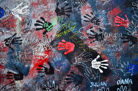 ベルリン - ベルリンの壁ベルリンのイースト サイド ギャラリー 2011 年 10 月 14 日に 10 月 14 日の落書き