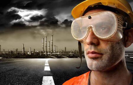 trabajador petroleros: de los trabajadores y una f�brica de Foto de archivo