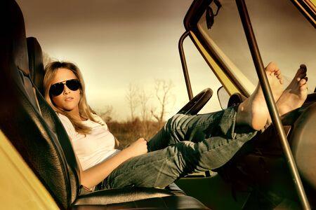 cabrio: Vrouw zitten in een auto