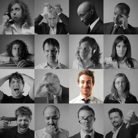 gente triste: Collage de la gente de negocios estresadas y tristes y sonriente hombre de negocios en el medio