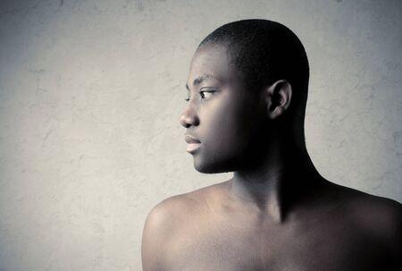 garcon africain: Profil d'un bel homme africain Banque d'images