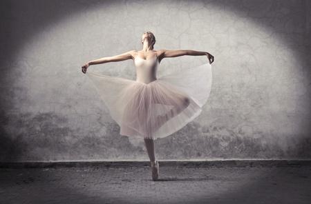 Mooie ballerina dansen