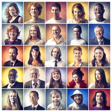 människor: Sammansättning av olika människor ler