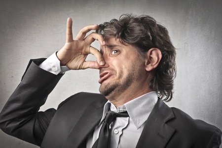 desprecio: Hombre de negocios expresar su disgusto